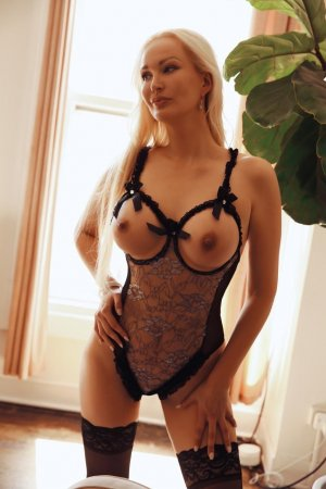 Clara-lou independent escort in San Marcos TX